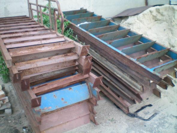 лестница металлическая